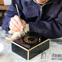 仏壇職人・蒔絵 ~金仏壇が出来るまで・お仏壇の知識~